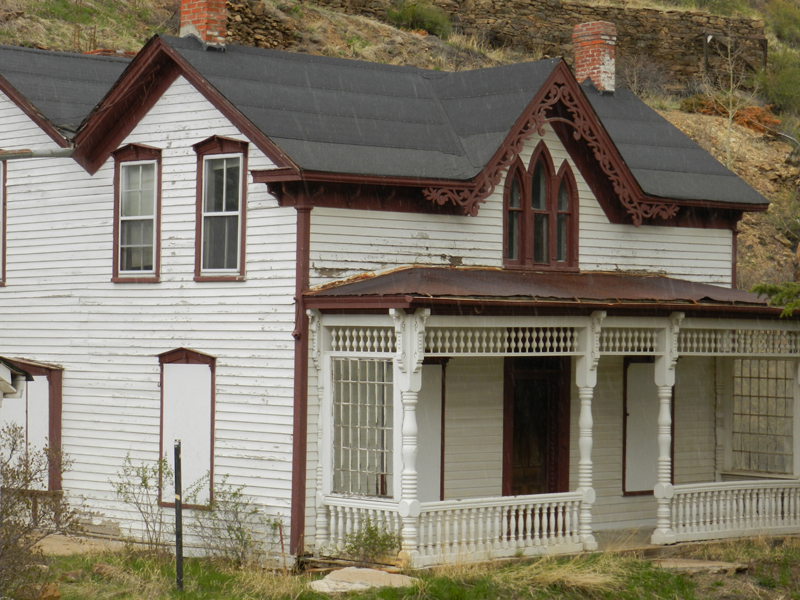 red-dolly-house